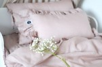 Linen pillow with two frills dusty pink